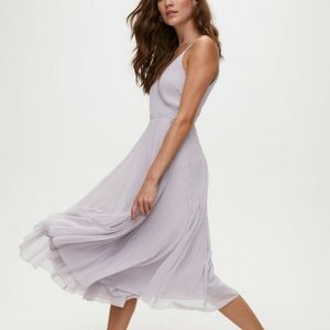 🌟 HOST PICK 🌟 NWOT Aritzia Wilfred Beaune dress